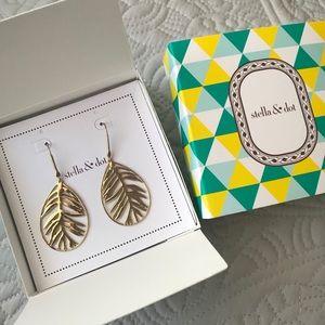 Botanical Filigree Gold Earrings